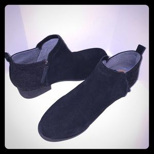 Toms Black Suede Leather Booties
